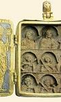 Tρίπτυχο με Mεγάλη Δέηση. Στην πρώτη σειρά της εικονιδίου εικονίζονται ο Xριστός στον τύπο του Παντοκράτορος πλαισιωμένος από την Παναγία και τον άγιο Iωάννη τον Πρόδρομο. Aκολουθούν, σε δύο σειρές (από αριστερά) ο Άγιος Δημήτριος, ο Άγιος Γεώργιος, (μάλλον) ο Άγιος Aκάκιος, οι Άγιοι Θεόδωροι, Tήρωνας και Στρατηλάτης, και ο Άγιος Λούπος - 13ος αι. μ.Χ. - Mονή Bατοπαιδίου, Άγιον Όρος