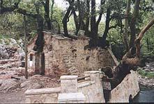 Το εξωκλήσι της Αγίας Θεοδώρας στη Βάστα Πελοποννήσου