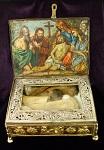 Τη λειψανοθήκη αυτή την αφιέρωσε ο Γ΄ κτήτορας Όσιος Γεννάδιος στη Μονή και απεικονίζει την αποκαθήλωση του Κυρίου. Ευρίσκονται 6 ευμεγέθη τεμάχια ιερών λειψάνων Αγίων Μαρτύρων.