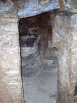 Η κατ΄ άτομο είσοδος<br />της κρύπτης στο<br />σπήλαιο αγιάσματος<br />Παναγίας Αργοκοιλιώτισσας