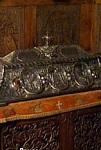 Λειψανοθήκη με τα Λείψανα του Οσίου Νικοδήμου της Τισμάνα